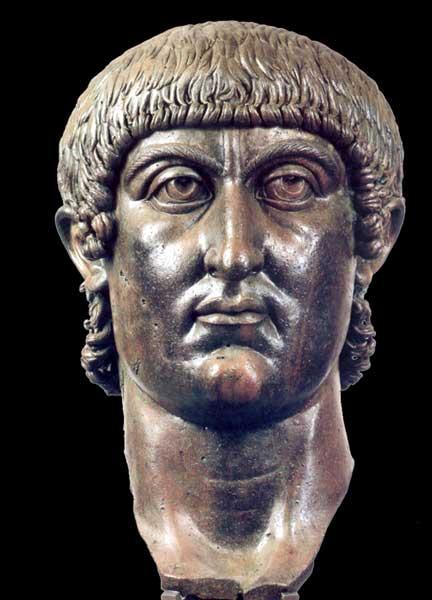 Testa colossale di bronzo di Costantino