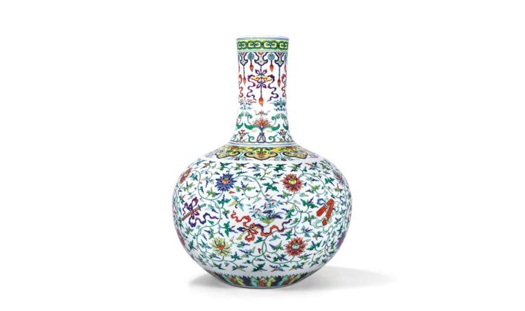 Il vaso cinese venduto per 15 milioni di dollari
