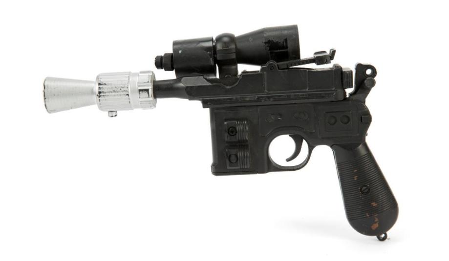 Star Wars mania! Venduta a oltre mezzo milione di dollari la pistola di Han Solo