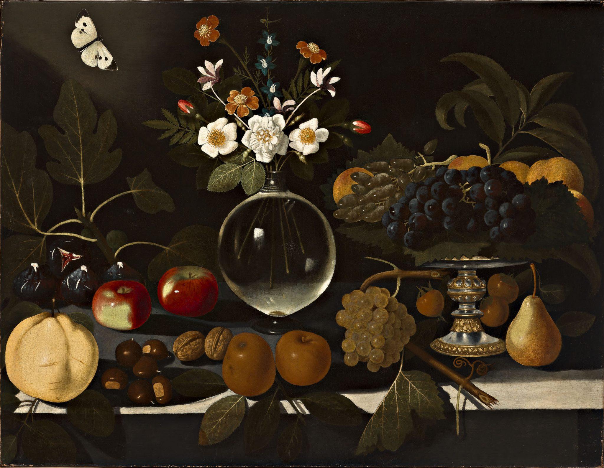 Maestro di Hartford, Alzatina con uva e pesche, vaso di fiori, frutta e farfalla, 1600-1602 ca., olio su tela
