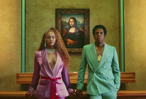 Uno still del video di Jay-Z e Beyoncé