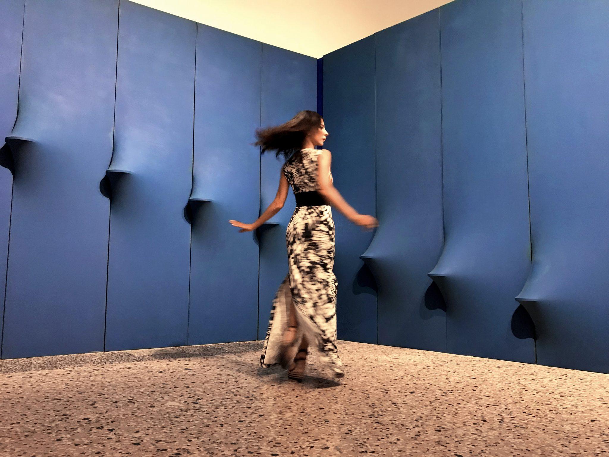 "#SELFIEADARTE ""Come attivare la spunta blu"" @AgostinoBonalumi Blu abitabile, 1967 @PalazzoReale #Milano @CleliaPatella"