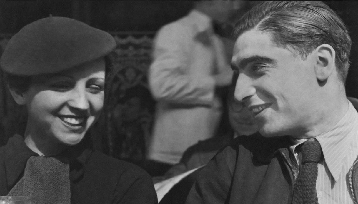 Gerda Taro, la donna che si inventò Robert Capa. Sorprese da un'intervista a Helena Janeczek