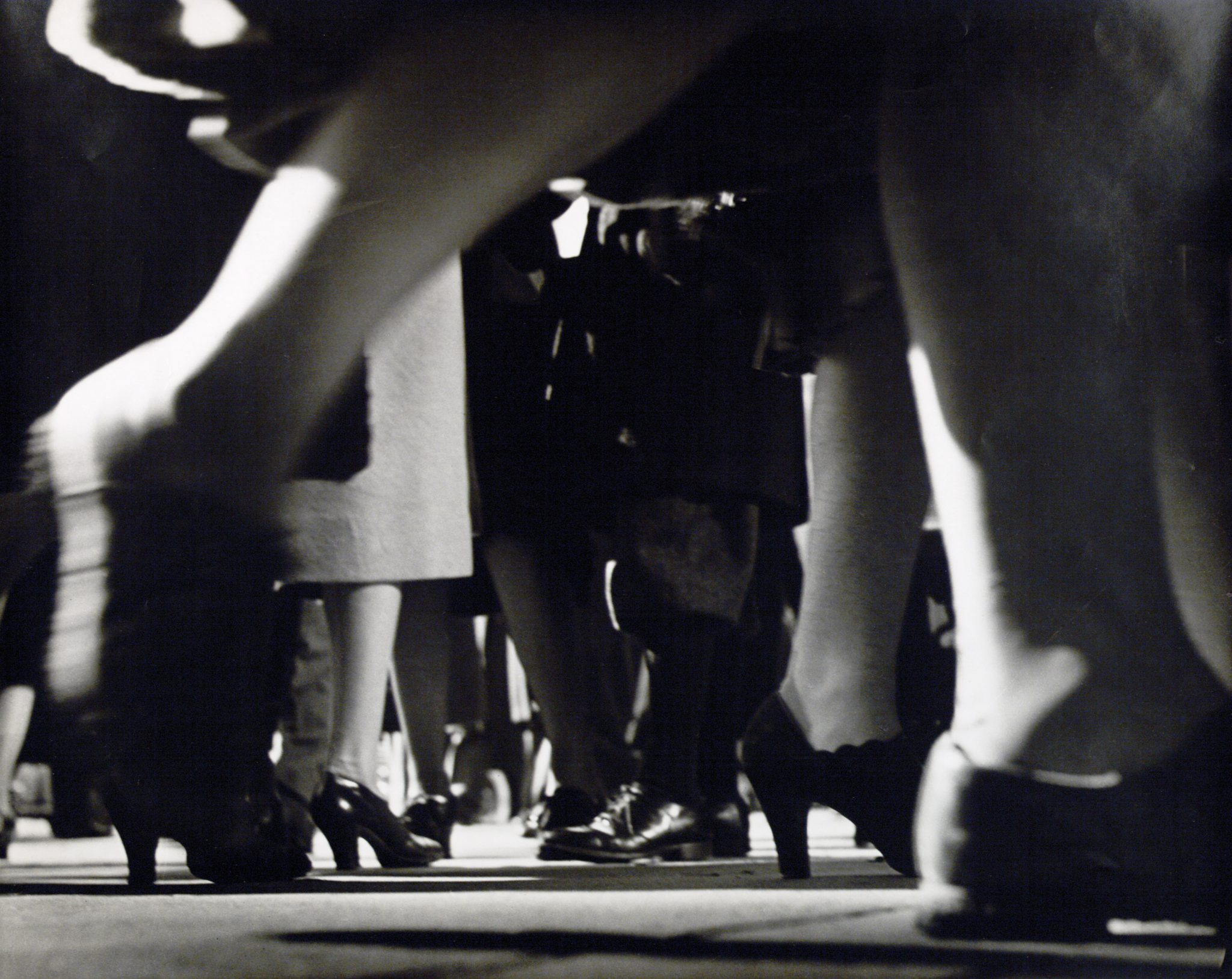 Lisette Model Laufende Beine 42. Straße, New York (Running Legs 42. Street, New York) 1940-1941 © Estate of Lisette Model, courtesy Albertina, Vienna