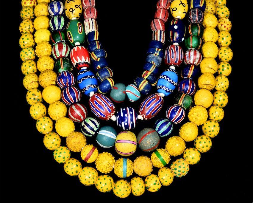 Foto 2- Perle di vetro a lume veneziane, usate negli scambi commerciali coloniali, XX sec. LD copia