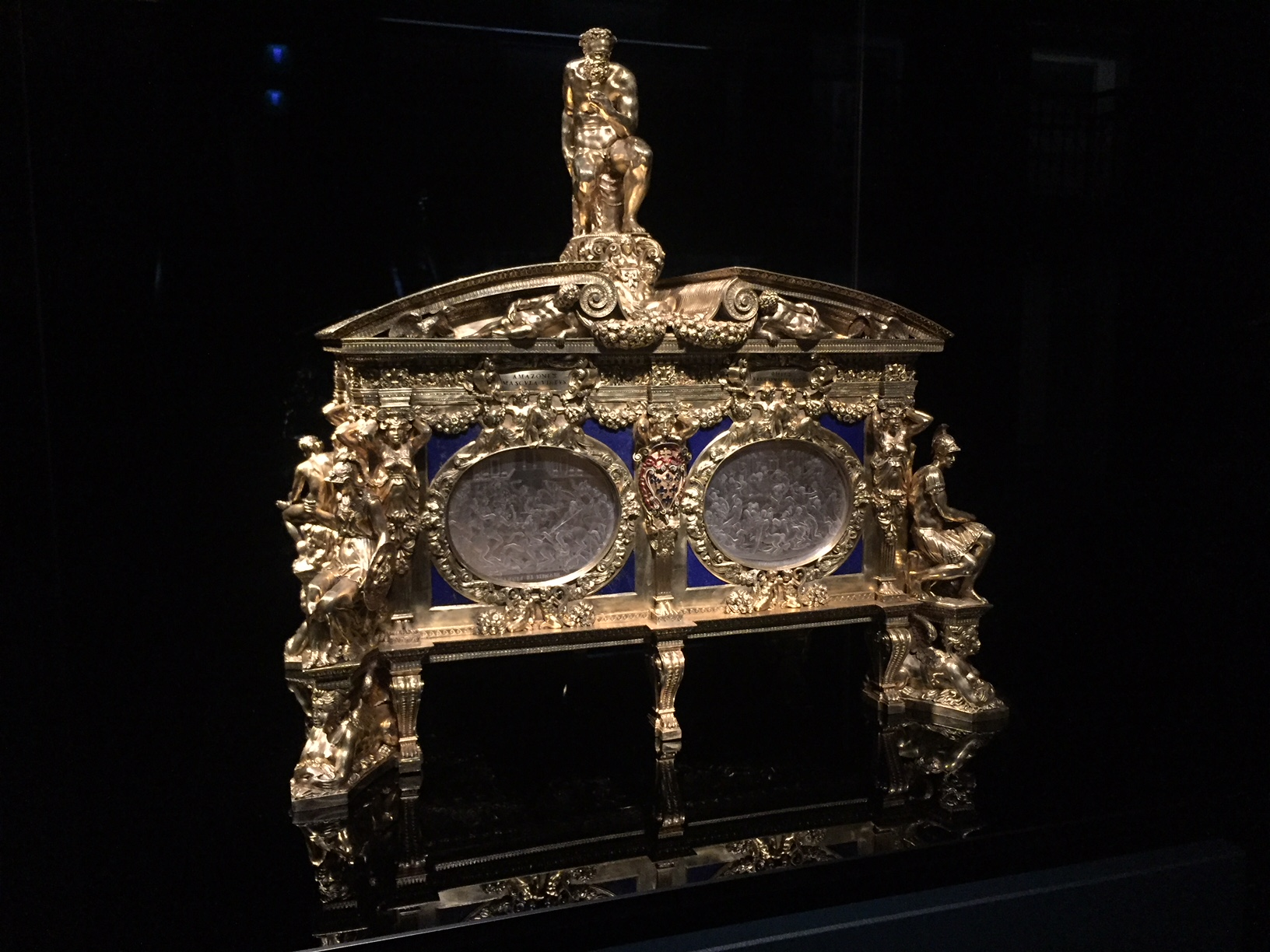 La Cassetta Farnese