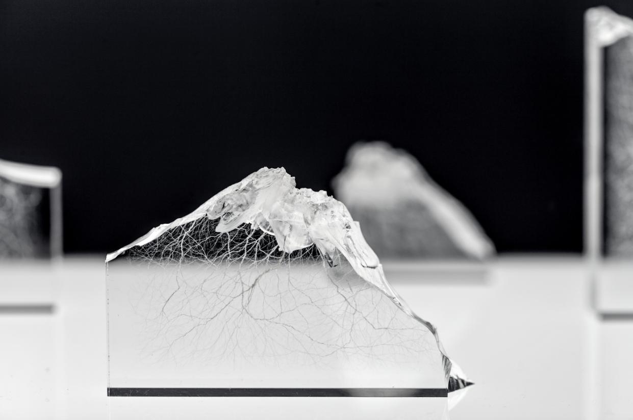 Luce e materia. Alan Bogana è l'Artista Bally 2017 con Stimmfarben