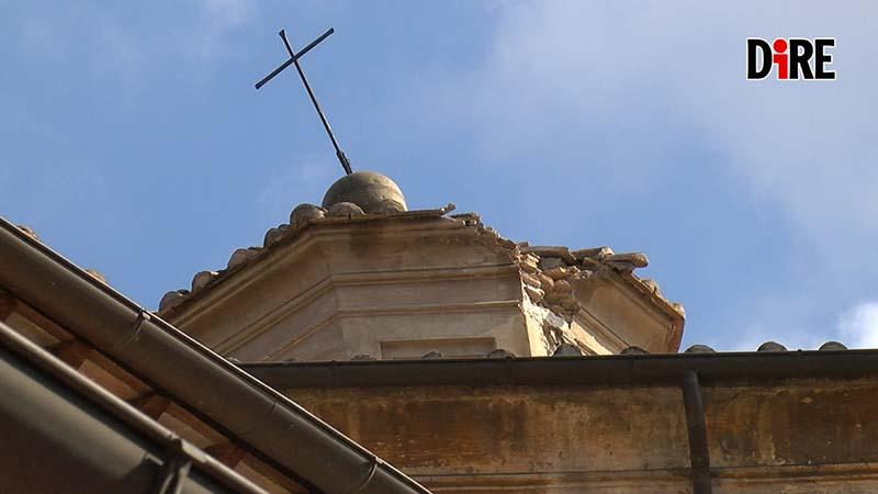 Cupola danneggiata della chiesa Santa Maria della scala