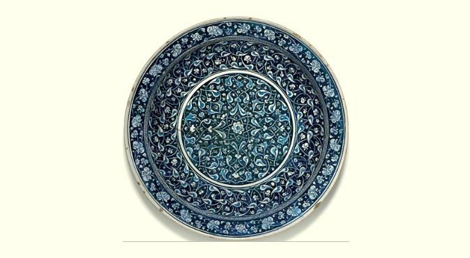 Il piatto di ceramica Iznik venduto da Sotheby's Londra