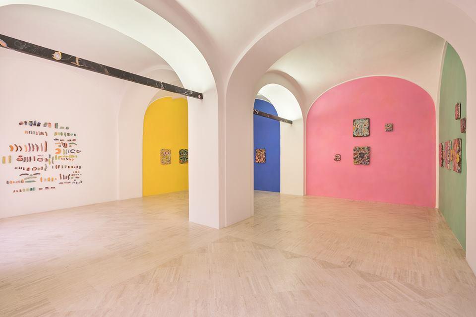 Le attuali mostre ospitate alla Fondazione Memmo : Kerstin Brätsch_Ruine e KAYA_KOVO, a cura di Francesco Stocchi, (Immagine: _Ruine installation view, photo Daniele Molajoli).