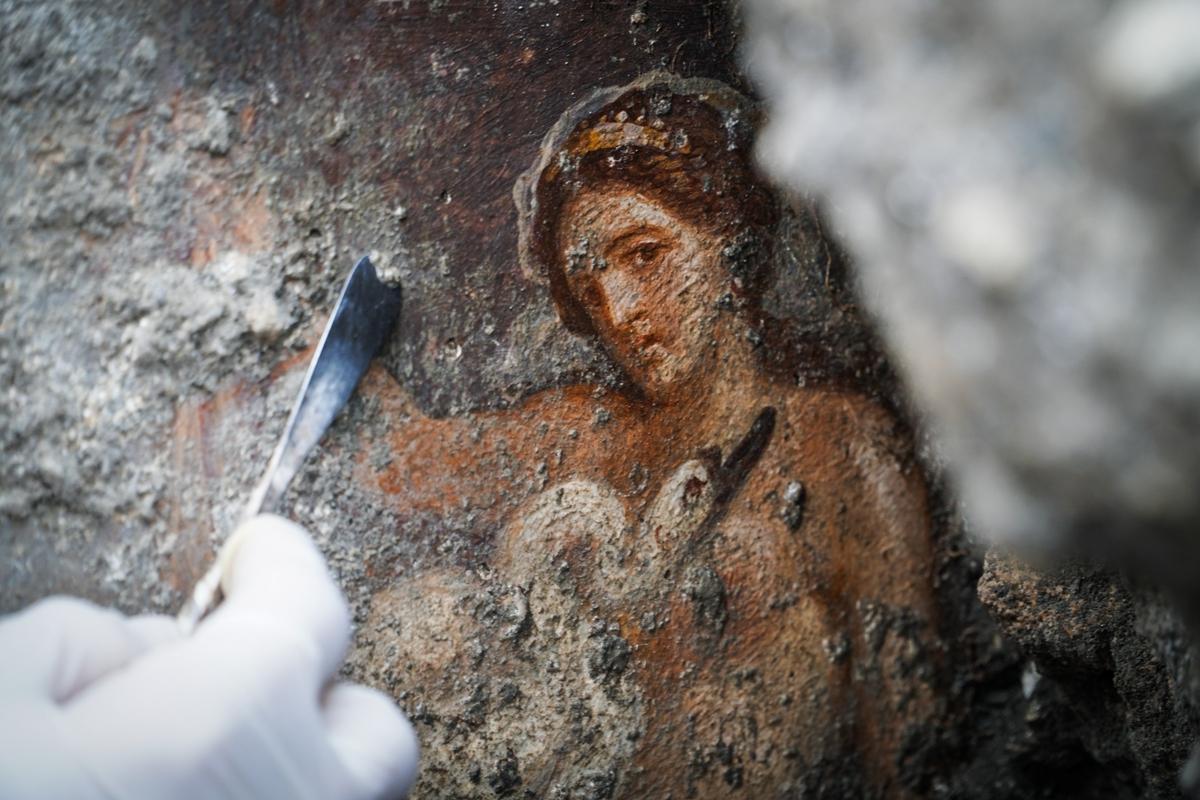Nuove scoperte a Pompei: affresco di Leda e il cigno - Parco Archeologico di Pompei - Foto di Cesare Abbate