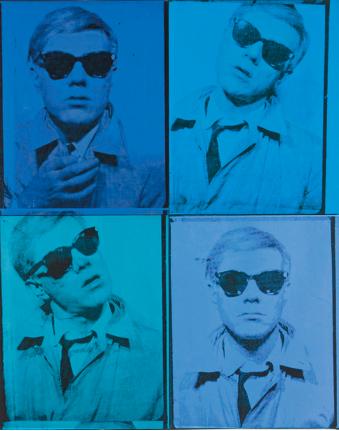 Andy Warhol protagonista al Whitney Museum di NY. Una grande retrospettiva per raccontare i mille volti dell'artista. Le foto