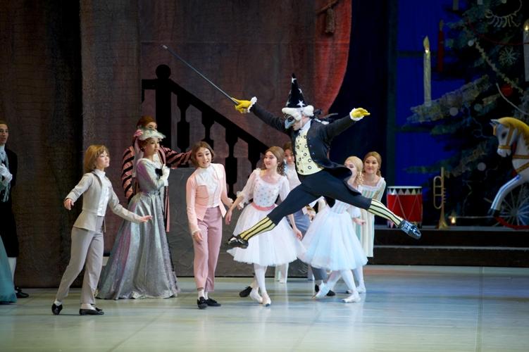 Il Balletto del Teatro Astana Opera torna a Genova con Lo schiaccianoci