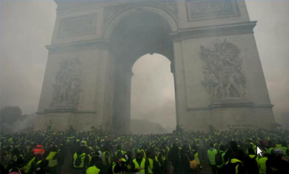 I Gilet Gialli minacciano ancora i musei di Parigi