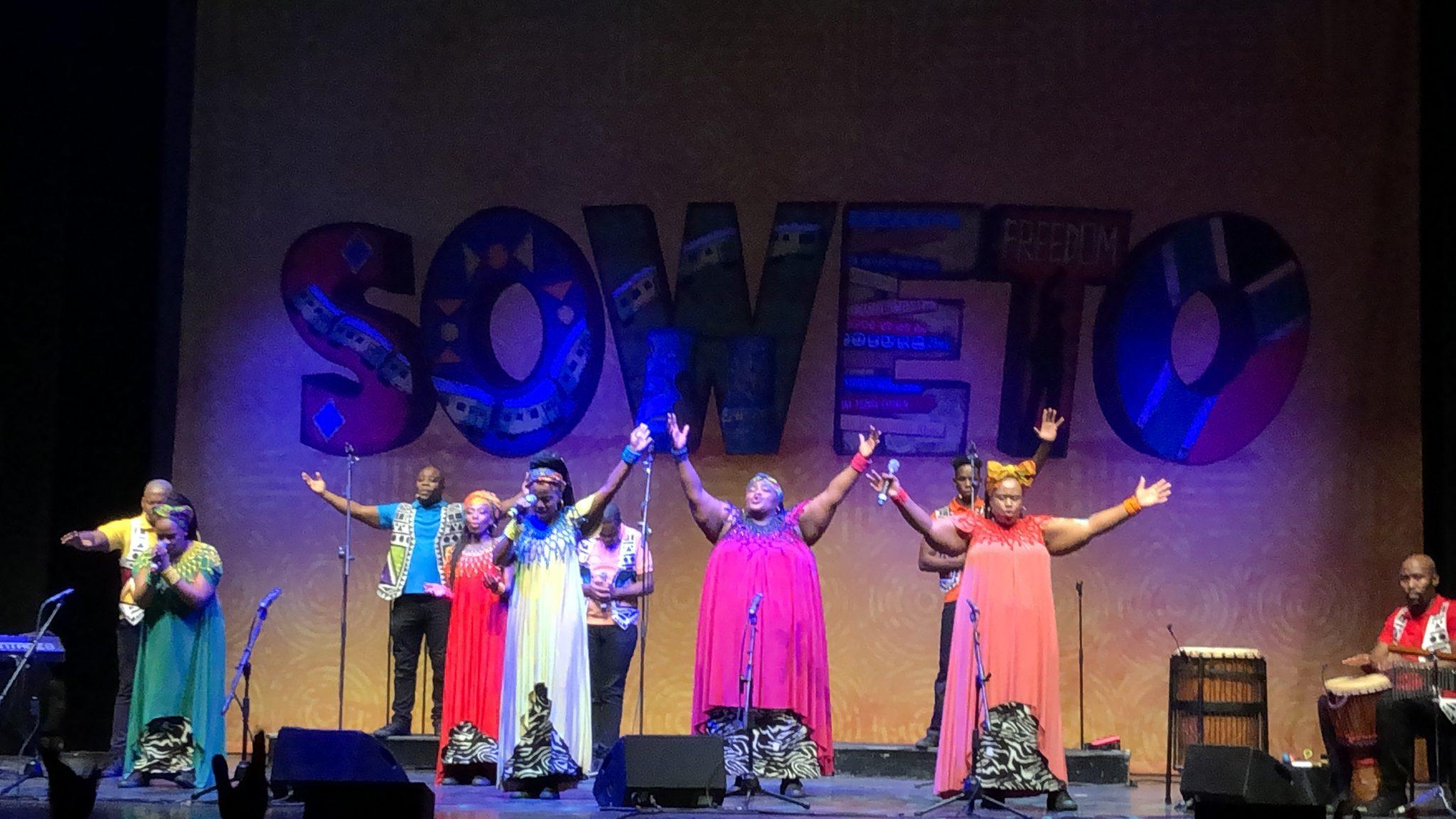 Freedom: il coro gospel emoziona i milanesi al Carcano