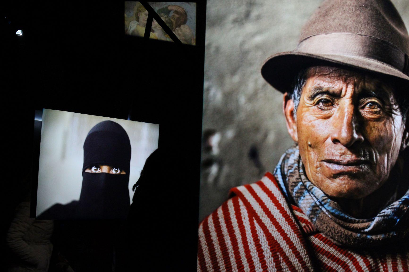 Una testa, un volto. Pari nelle differenze. Ph. Fabio Ezio Solinas