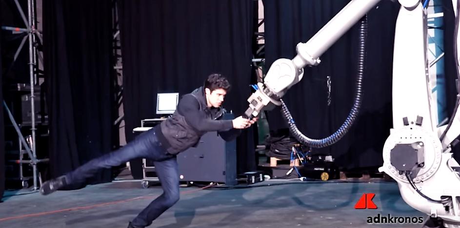 Meccanica poesia. Roberto Bolle danzerà con un robot a Capodanno