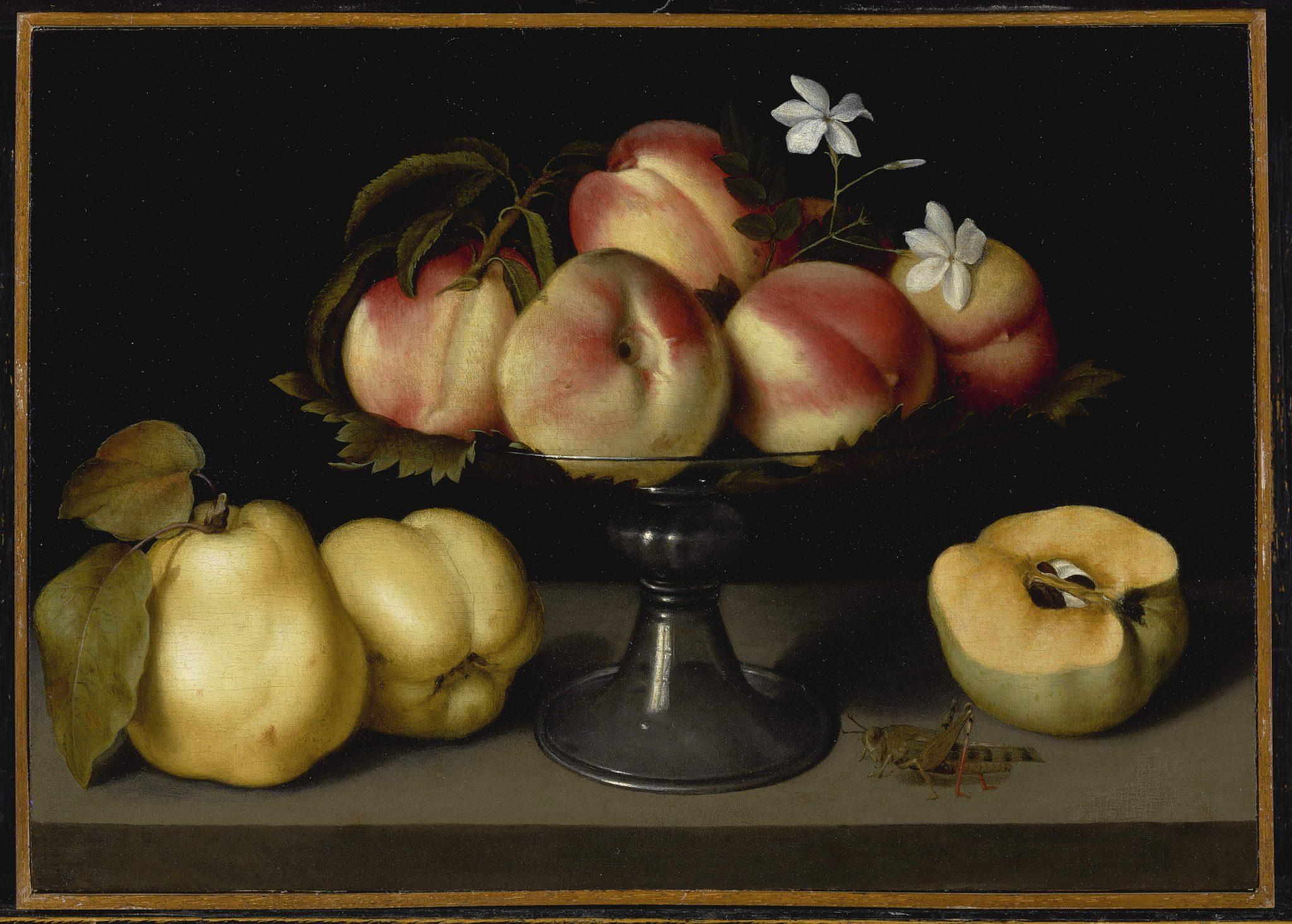 Vaso di vetro con pesche, fiori di gelsomino, mele cotogne e una cavalletta ha una stima di $ 2.000.000 – 3.000.000.