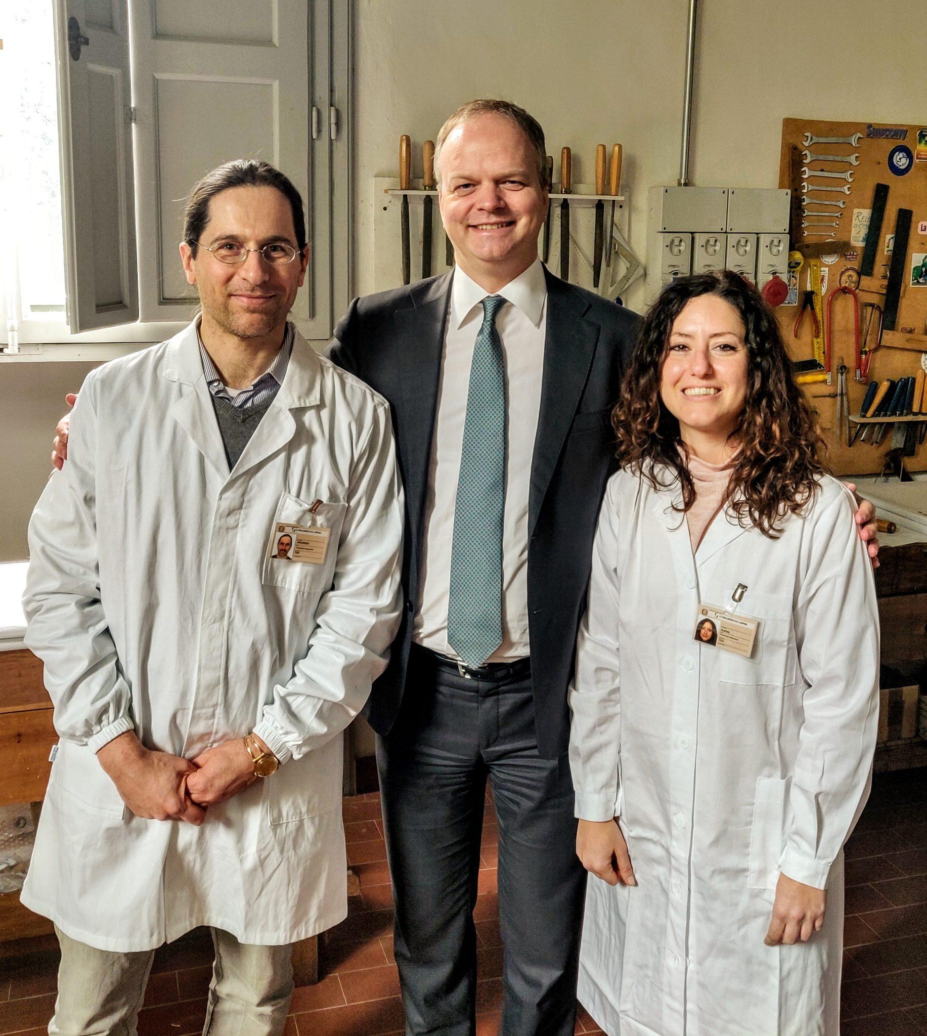 Eike Schmidt con i due restauratori