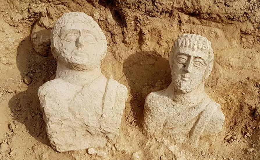 I due busti rinvenuti a Beit Shean, in Israele (foto jpost.com)