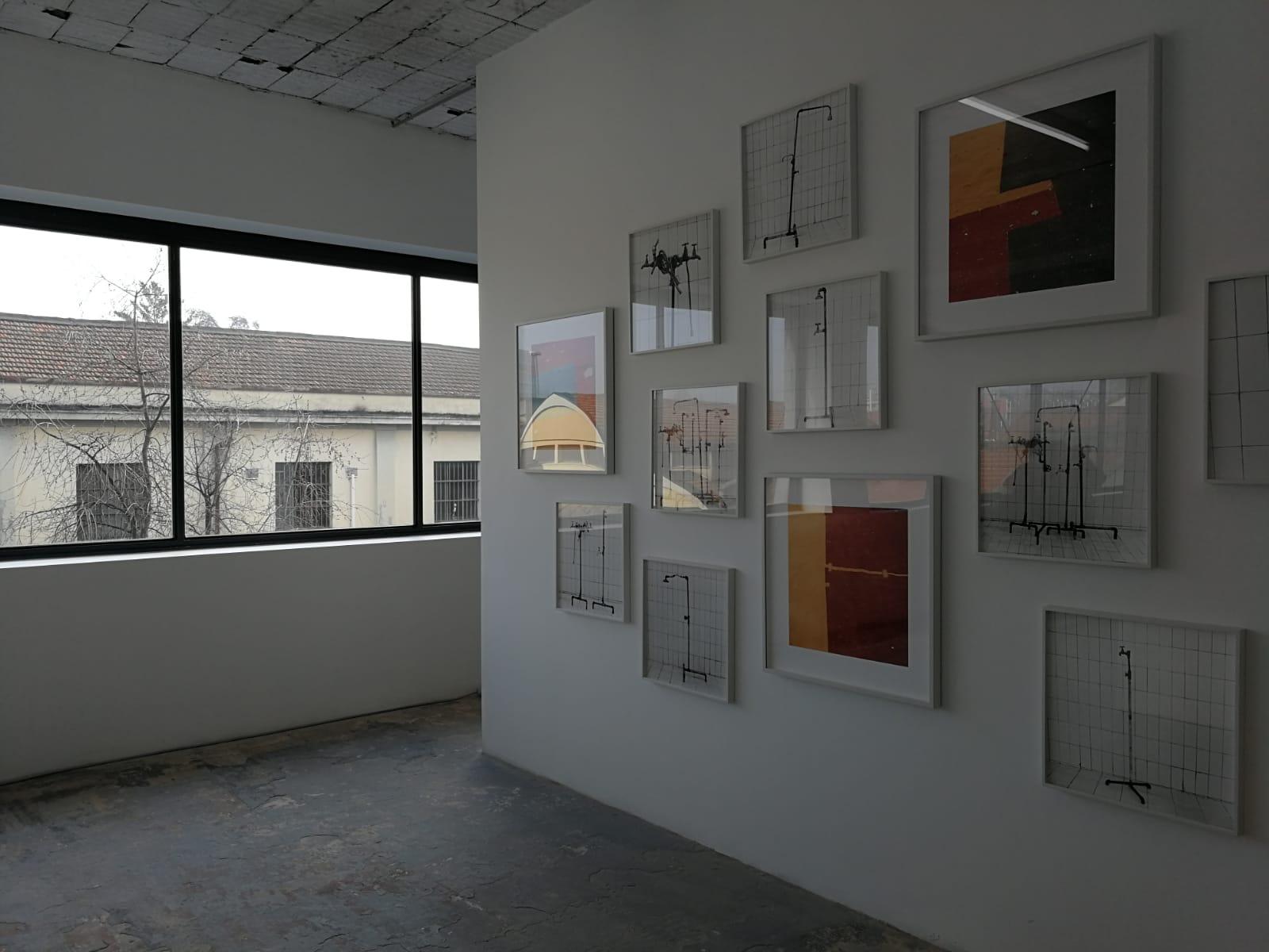 Yto Barrada, Plumper Assemblage e Untitled (felt circus flooring, Tangier), ICA Milano. Foto Artslife