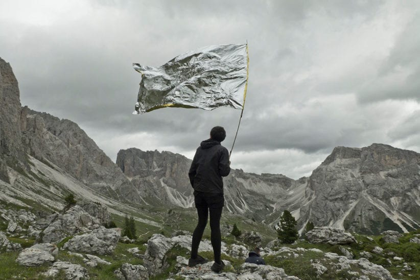 Mrova, Landschaft Macht Kapital (2015), documentazione video dell'intervento, HD video, 16:9, audio stereo. 5:30 min, June 2015, Dolomites, South Tyrol, FuturDome The Uncanny Valley 2019
