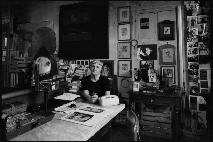 Carol Rama nella sua casa studio (foto Pino Dell'Aquila)