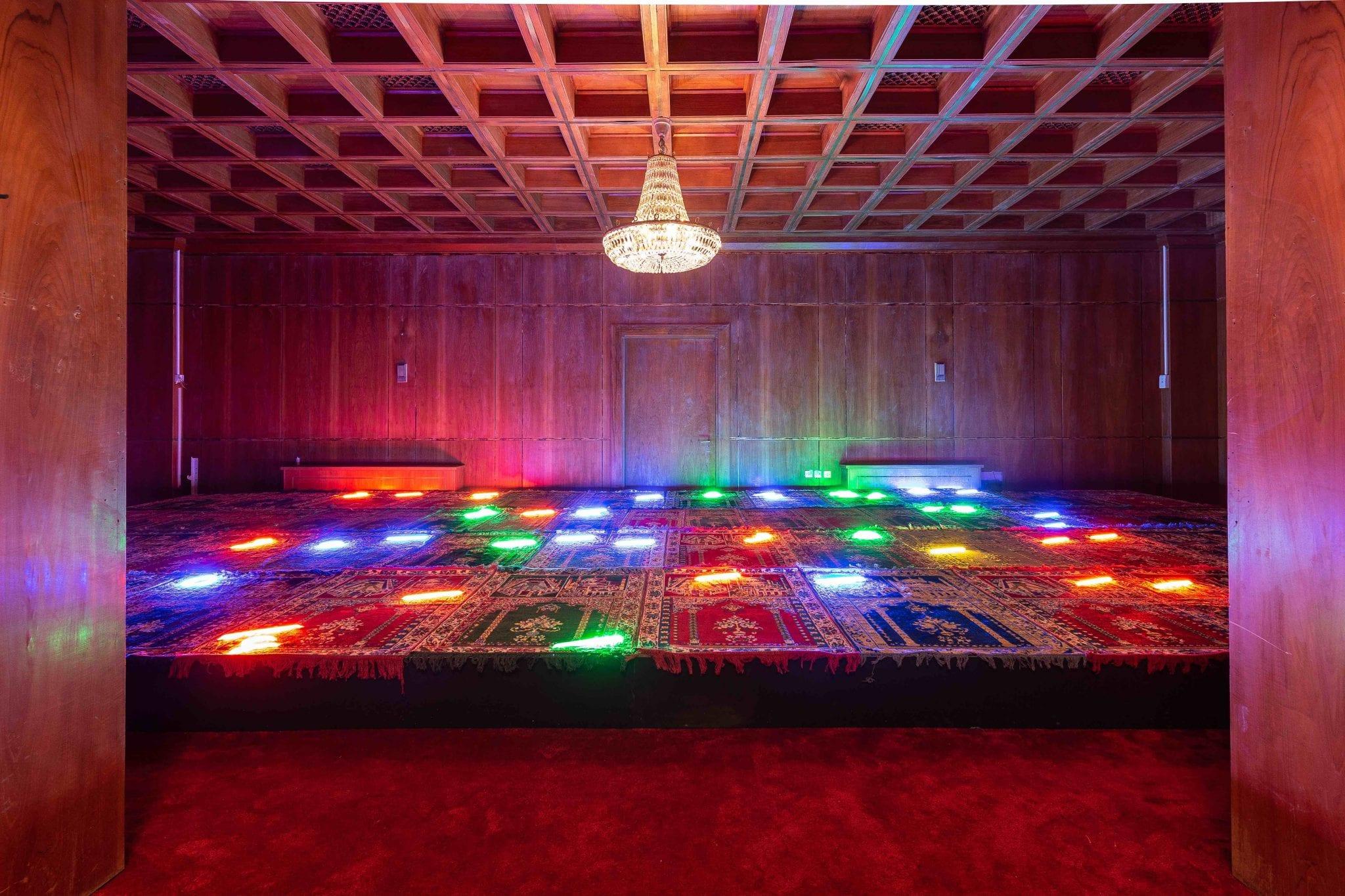 The Red Palace. A Riyadh una mostra di Sultan bin Fahad inaugura la seconda vita del Palazzo