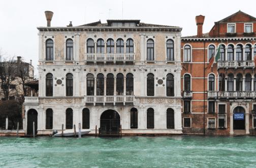 Il sogno di Günther Förg si concretizza a Venezia. 30 opere iconiche tra fotografia, pittura e scultura a Palazzo Contarini Polignac