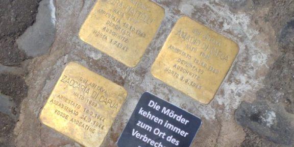 pietra d'inciampo con scritta vandalica