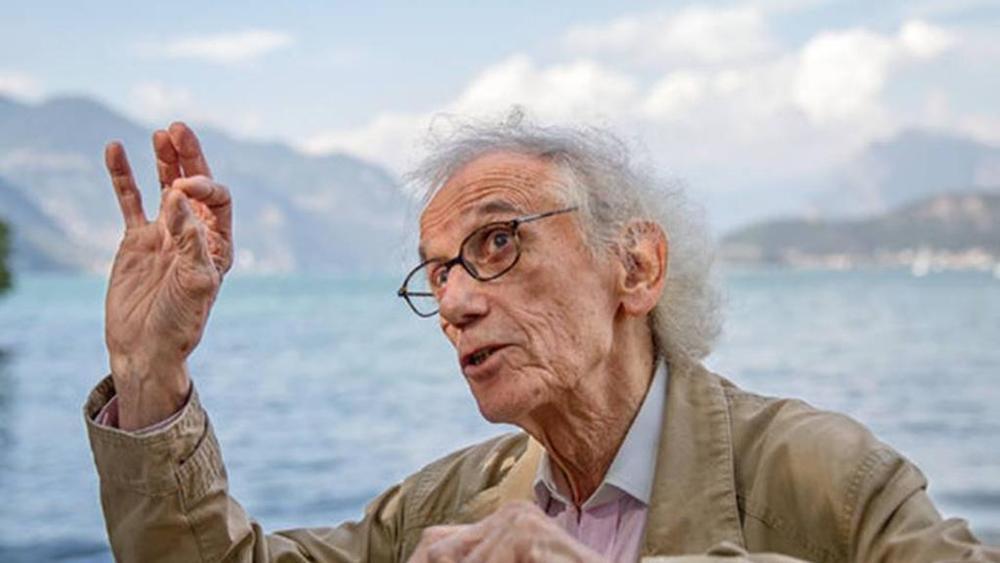 A passeggio con Christo. Dal Lago d'Iseo a Parigi, l'artista di Floating Piers si racconta