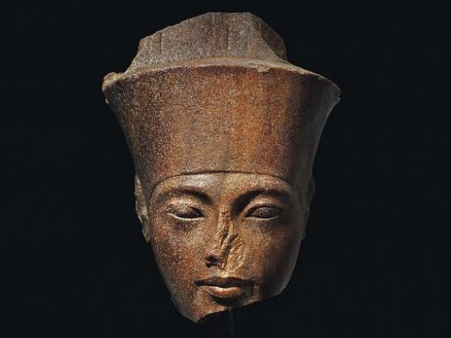 Statuetta diTutankhamon, quarzite marrone