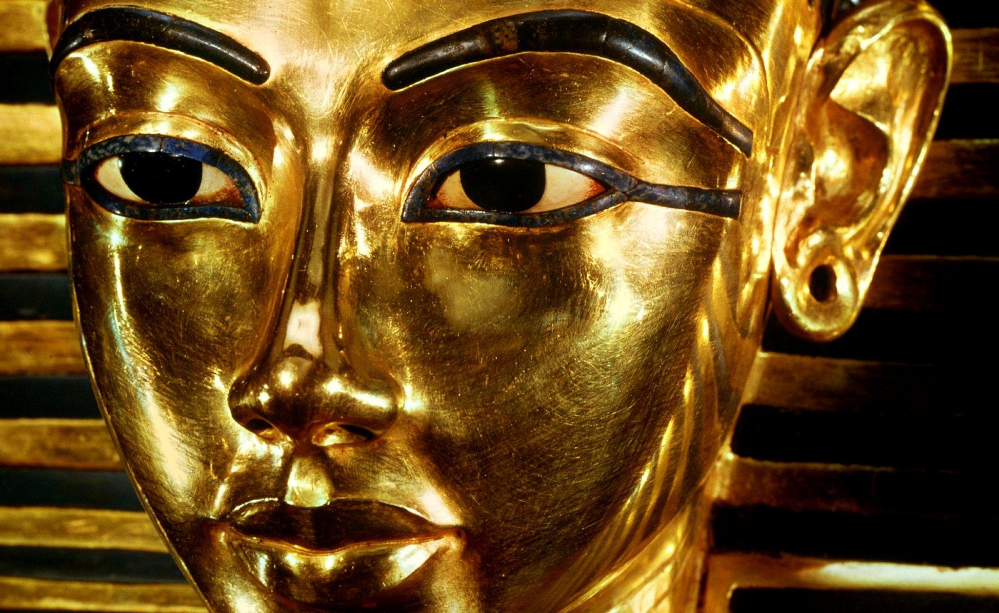 La maschera dorata di Tutankamon