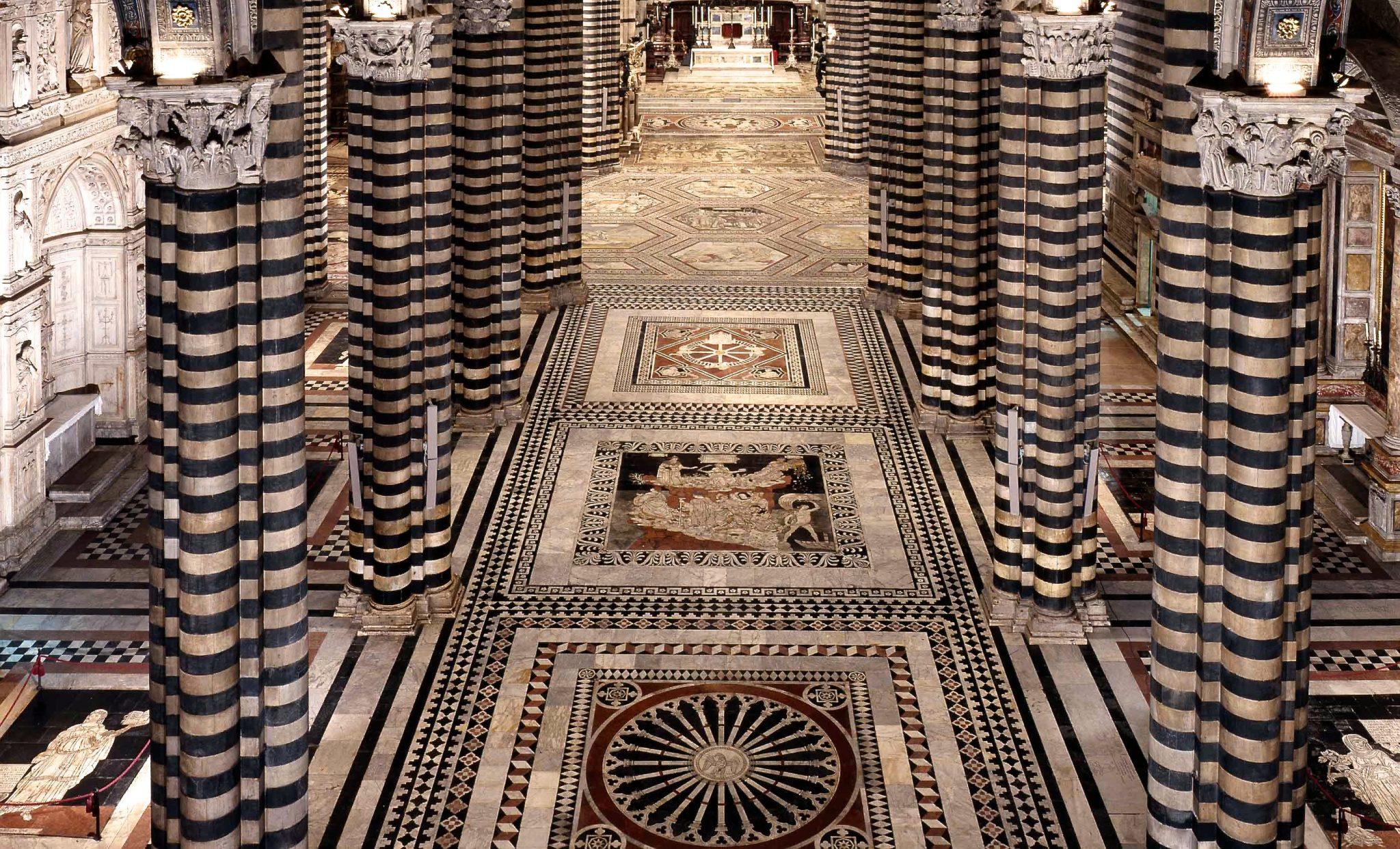 La navata centrale del Duomo di Siena
