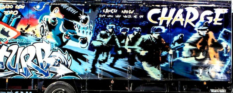 Il camion griffato Banksy in asta da Bonhams