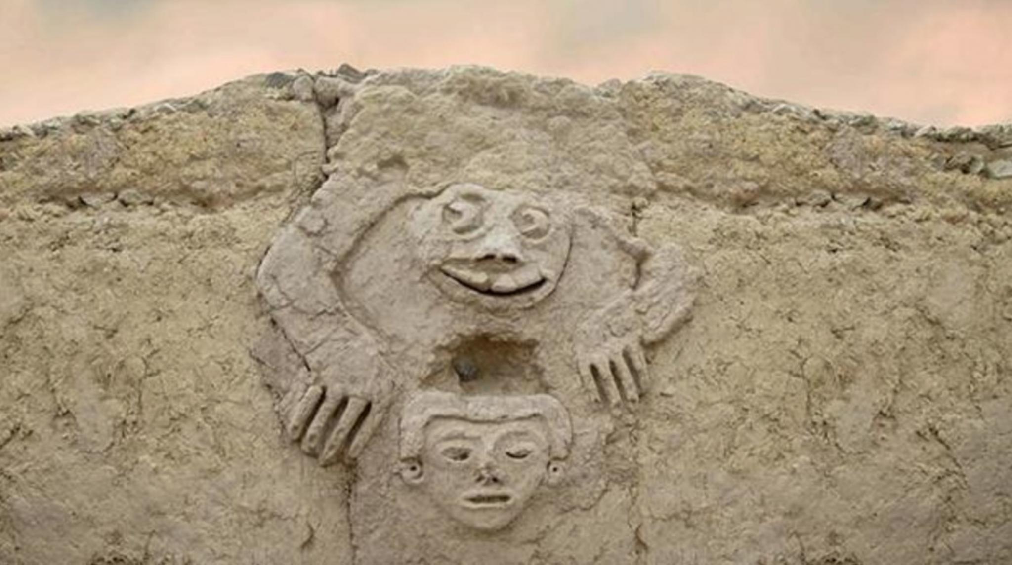 Il rospo umanizzato trovato dagli archeologi in Perù nell'insediamento di Vichama