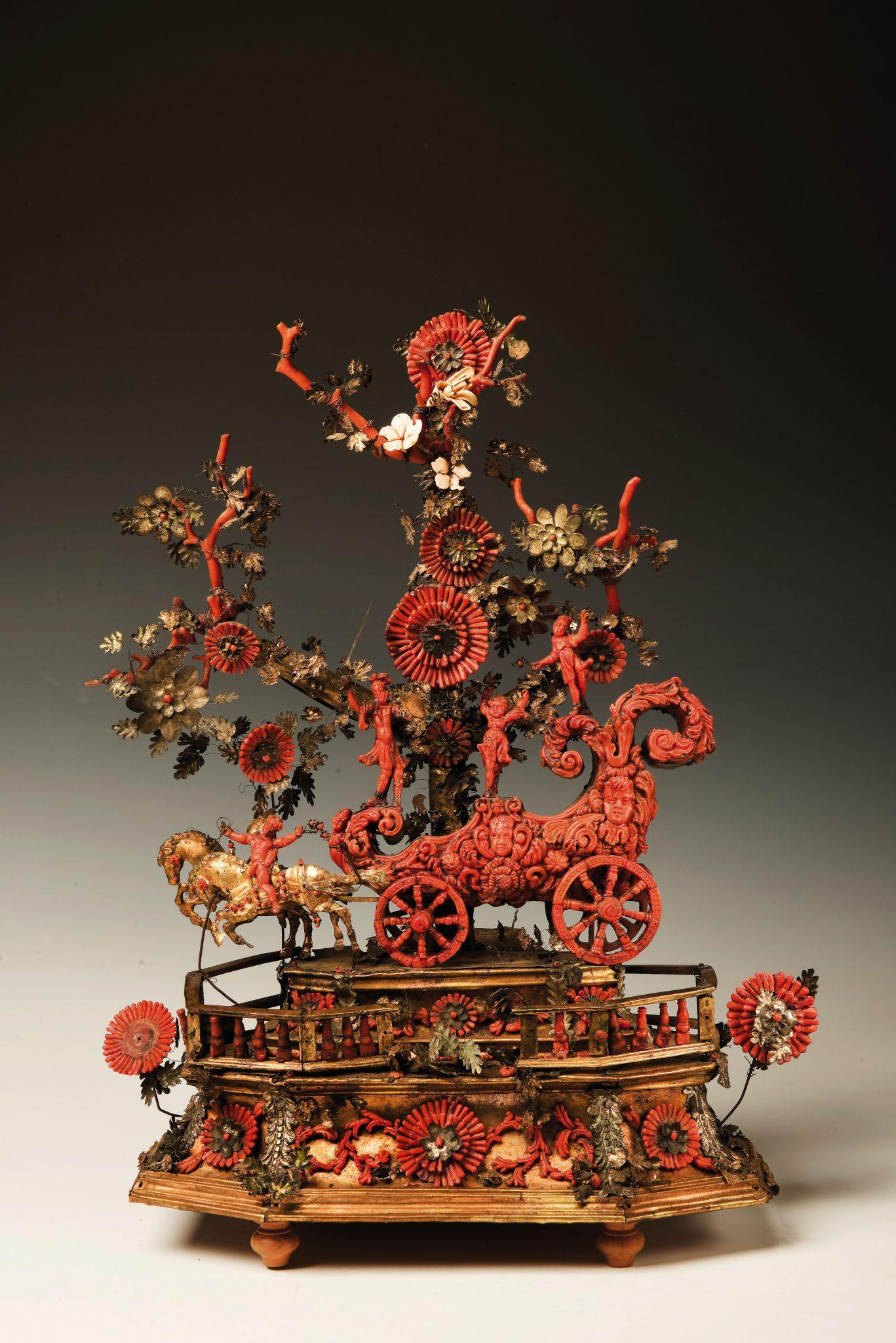 Un trionfo di rame, corallo e argento barocco conquista l'asta di arredi di Wannenes