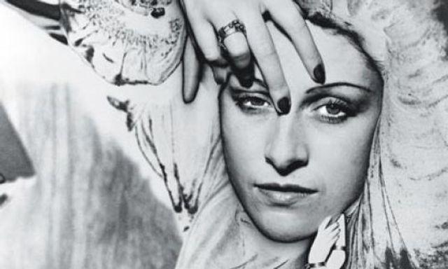 Man Ray, il fotografo che dipinge con la luce. La sua arte, le sue muse, le sue amanti