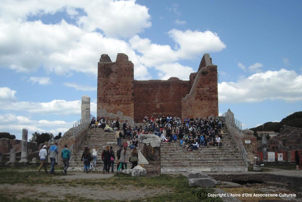 Passeggiare nella storia. Ostia Antica, meraviglia del passato