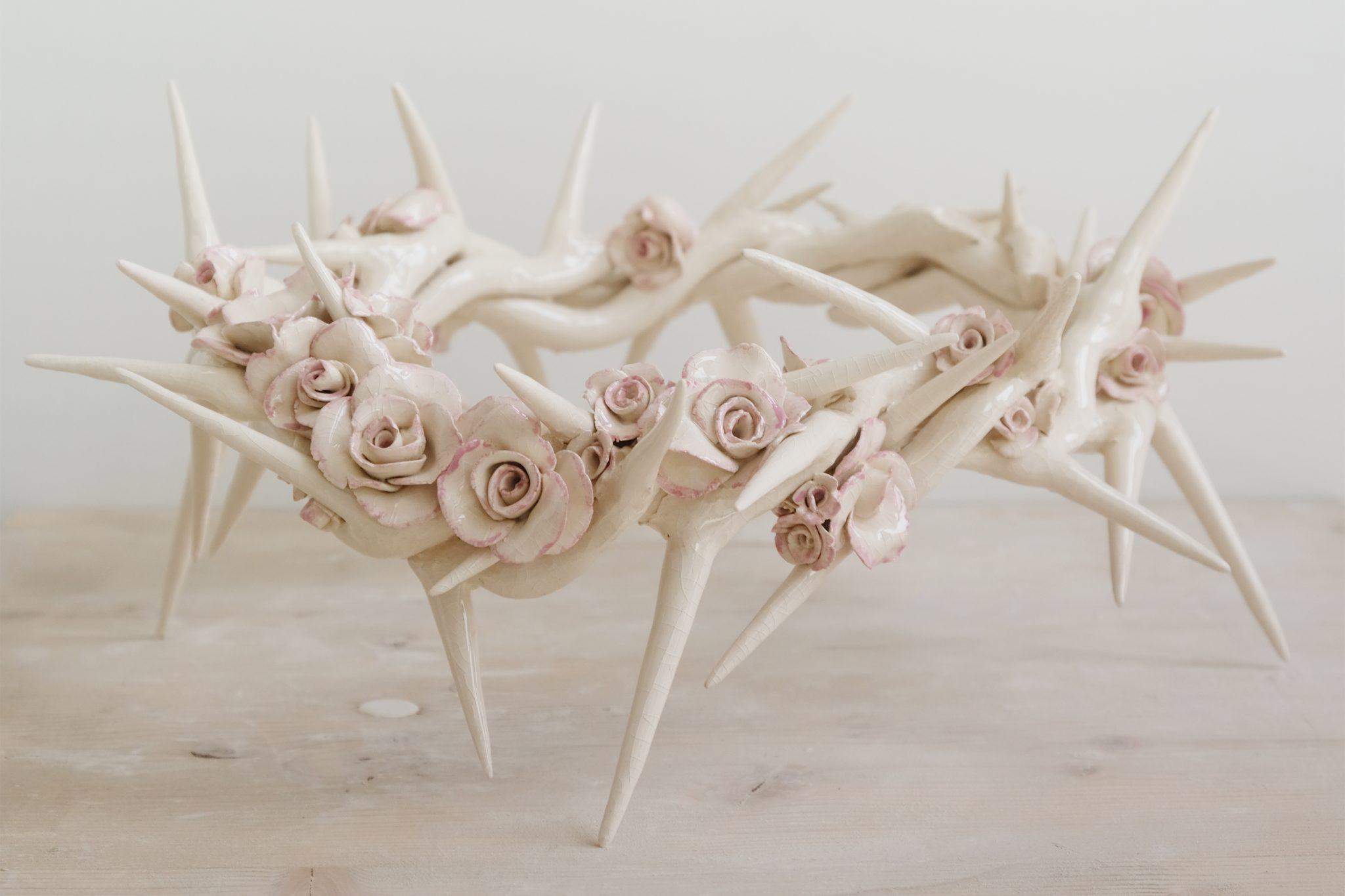 LIFE VEST UNDER YOUR SEAT - Fabio Ricciardiello, Corona fiorita, ceramica, Faenza, S.Maria dell'Angelo