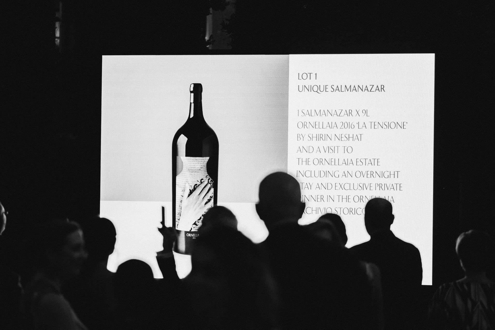 Ornellaia da record. La poetica vendemmia d'artista firmata Shirin Neshat vola oltre i 300 mila dollari