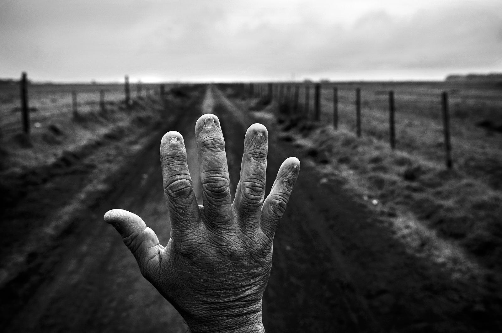 Il costo umano dei pesticidi in agricoltura nelle foto di Pablo Ernesto Piovano