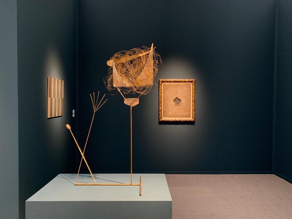 L'allunaggio di Galleria Mazzoleni a Frieze Masters. Tra concetti spaziali e superfici lunari…