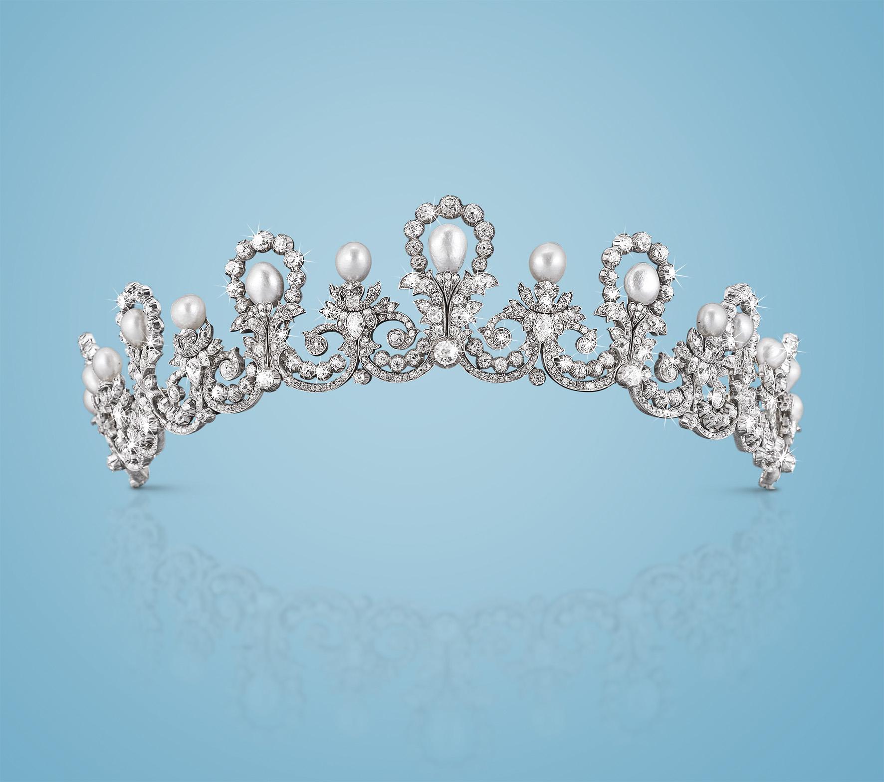 I gioielli degli Asburgo da Dorotheum. Oltre 600 mila euro per il diadema e la spilla imperiali