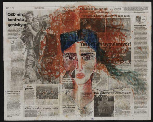 Zehra Doğan, Özdinamik, Auto-dinamica, 2017, carcere di Diyarbakir, 67 x 56 cm, penna a sfera, caffè, curcuma, succo di prezzemolo su giornale Photo credit: Jef Rabillon
