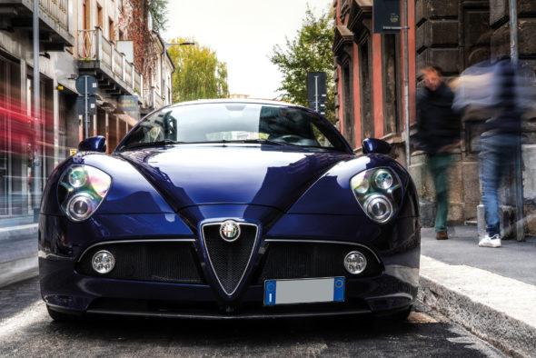 Alfa Romeo 8C Competizione, il colore di una scommessa. In asta da Wannenes