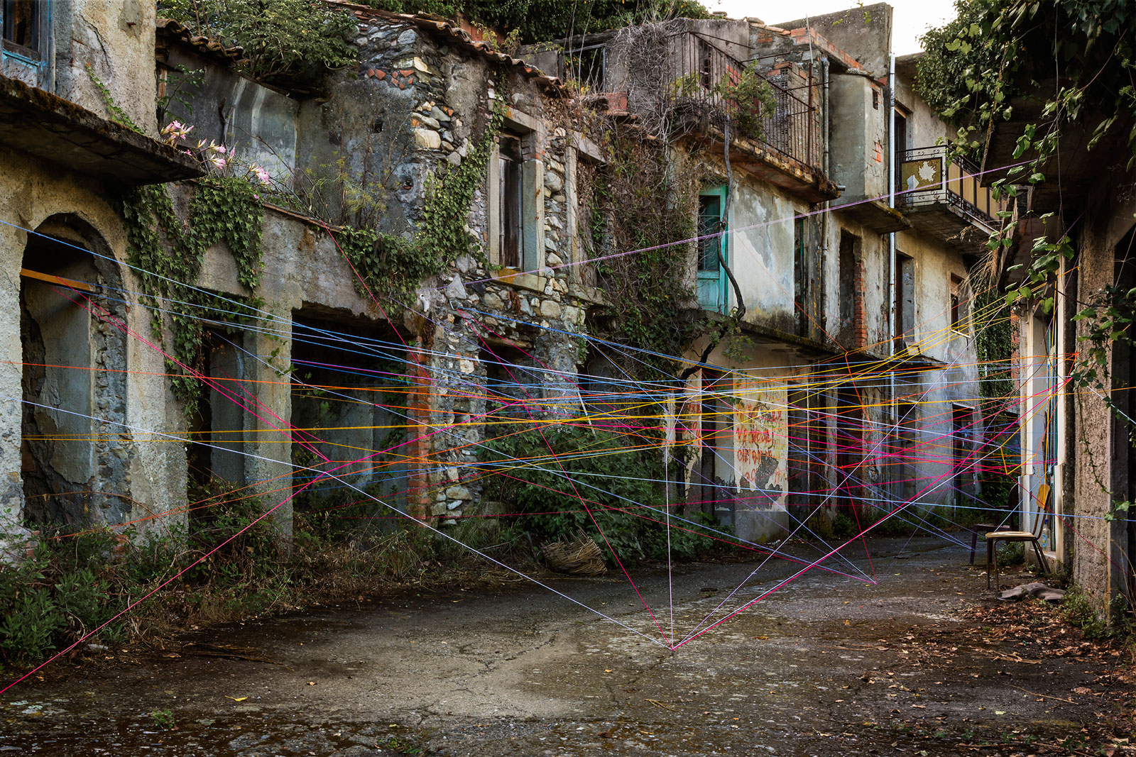 Ambienti #8 - Borgo di Rajù, 2016 Stampa fine art - 90 x 60 cm