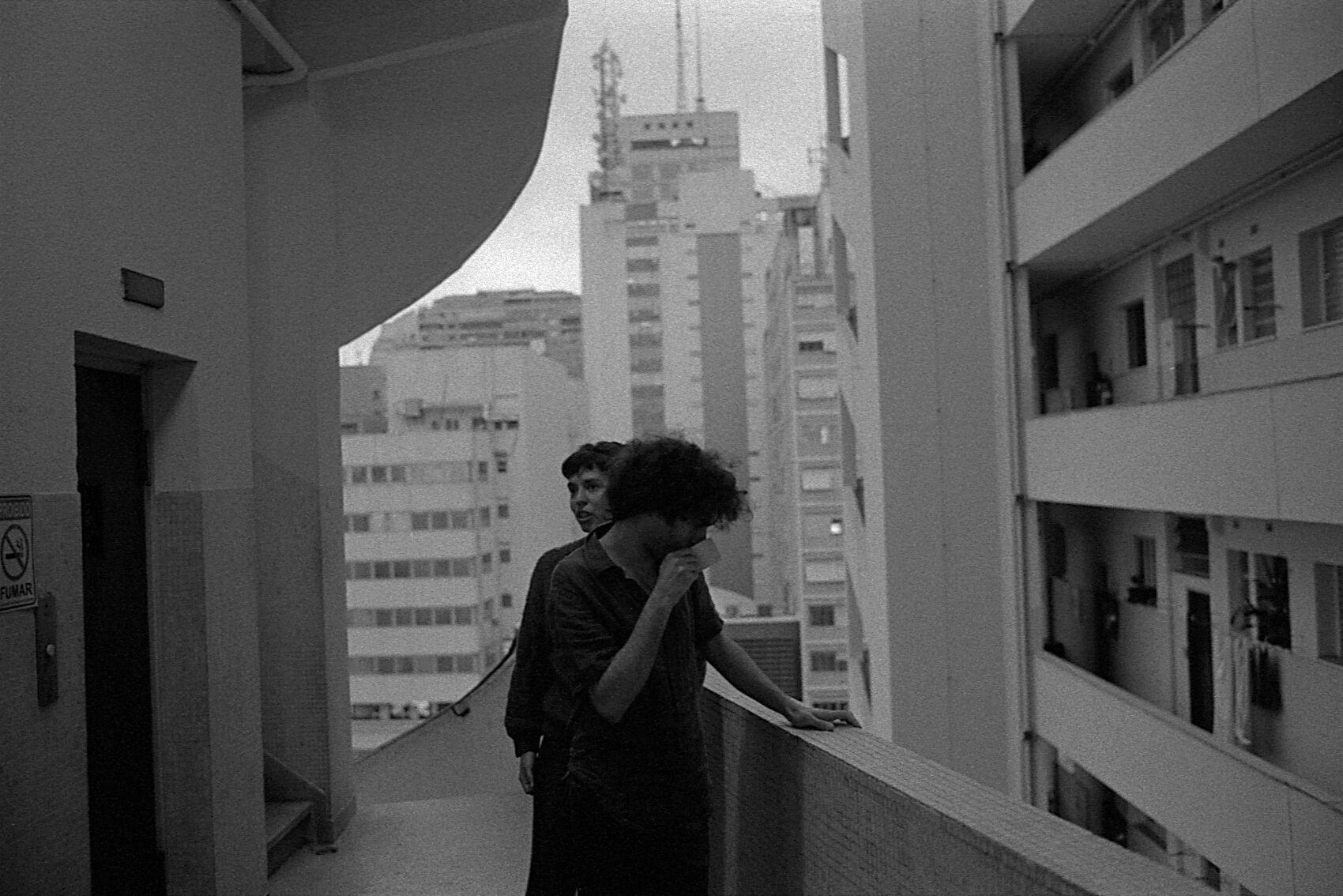 Paesaggi psicologici. Lo sguardo di Mauro Restiffe sull'architettura modernista. Una magica narrazione alle OGR