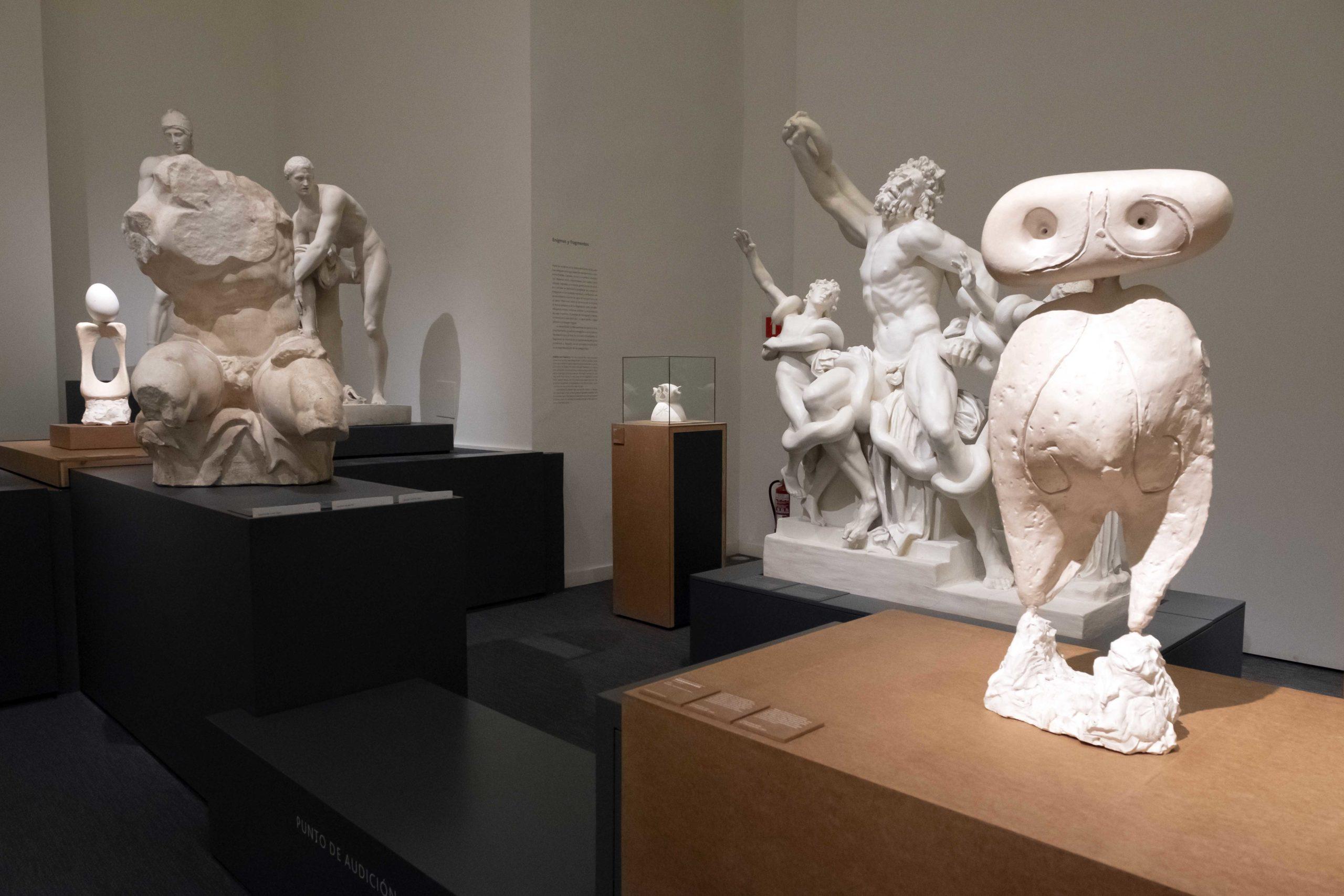 Il senso di Mirò per la scultura: le sue statue bianche in mostra a Valladolid