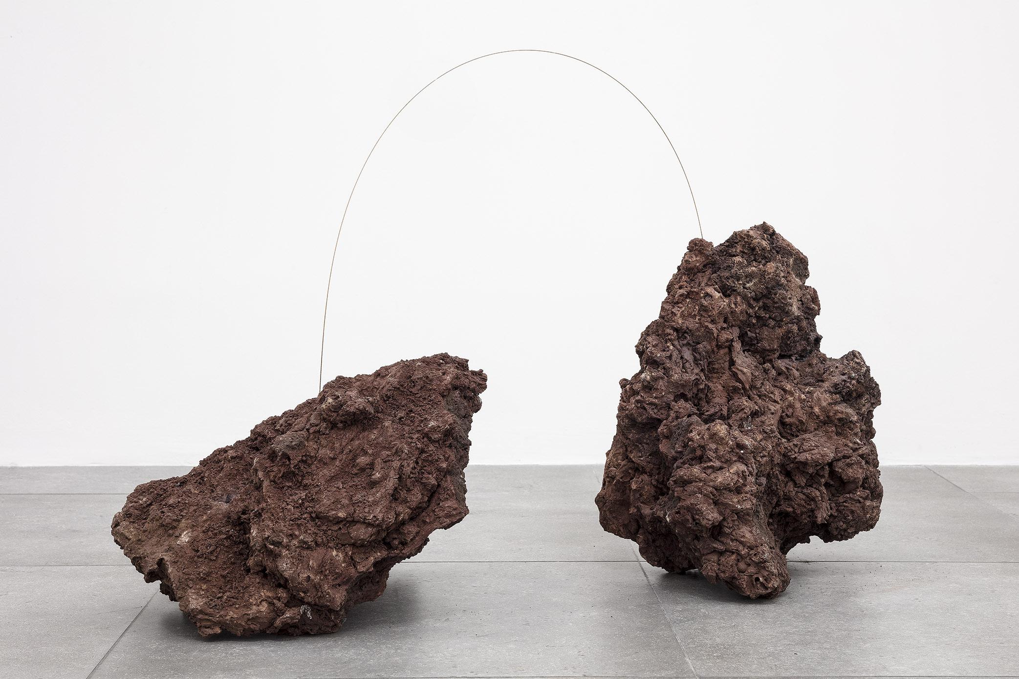L'energia delle comete, la potenza vitale dei metalli. Intervista a tutto campo a Joana Escoval